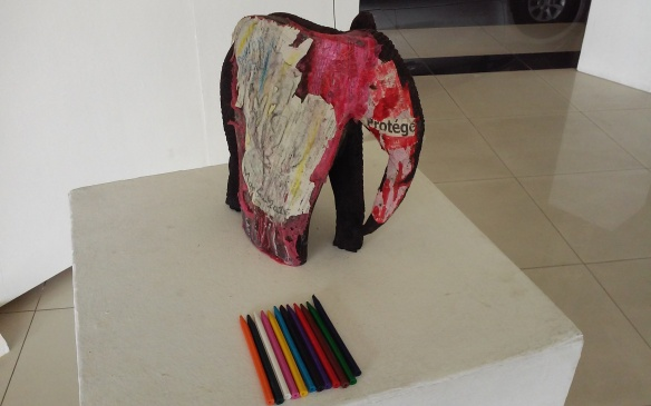 Manfust, sculpture