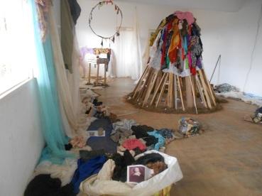 Alioum Moussa, Installation